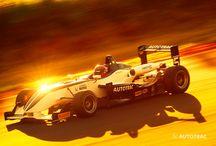 Autotrac nos Esportes / A linha de rastreadores Autotrac One e Autotrac Mini, da empresa Autotrac, do tricampeão de Fórmula 1 Nelson Piquet patrocina corredores em diversas categorias.