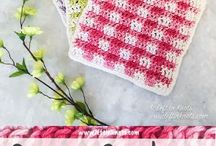 Spring & Summer Crochet Patterns / Crochet pattens perfect for warm weather crocheting! Summer tops, wraps, shawls, bags, home decor, craft fair or market ideas. beach inspired patterns.