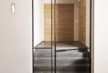 Smeedijzeren deuren / Smeedijzeren deuren op maat. Zowel in een modern en strak design als landelijk qua sfeer.