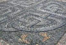 Мозаика из гальки и камней