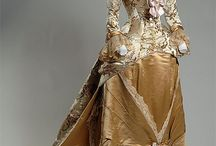 Historic Female Fashion - Victorian / inspiration