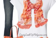 Spring Outfits For Moms / Spring is here! Time to shed those bulky winter layers and get into something a little more comfortable. Here are the hottest and trendiest Spring outfits for moms this year.