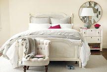 HOME DECOR: WHITE BEDROOM