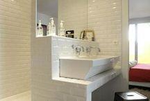 tres petite salle de bain