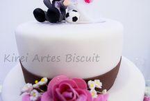 Minhas peças nas festas  / Meu trabalho participando na festa! as noivas me enviaram fotos lindas do seu dia e como um topo de bolo faz a diferença da festa