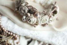 wedding accessorizes