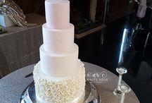 Elegant Ruffle Wedding Cakes // Ideas and Inspiration //
