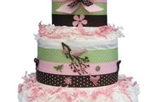 pretty cakes / by Helen Trinh
