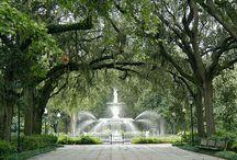 "Savannah Style /  Life in the ""Hostess City"""