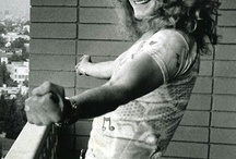 Robert Plant -one of the sexiest men alive. ever.