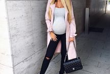 Pregnant outfits
