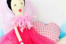 Muñecas picniqueras. Vamosdepicnic Rag Dolls / Muñeca de trapo  diseñadas y confeccionadas ennuestro taller, cuerpo de algodón 100% rellenas de floca. 100% Cotton handmade Rag Dolls . Designed and fully manufactured in our atelier.