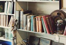 Nest // Bookshelf Porn