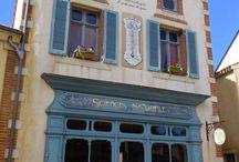 Puy du Fou / Le Puy du Fou, le célèbre parc vendéen dédié à l'histoire de France en spectacles... Retrouvez mon billet sur http://bit.ly/1jLriAK