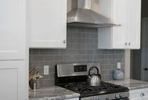 White Shaker Kitchen Cabinets / Quality and affordable Shaker White Kitchen Cabinets from Everyday Cabinets