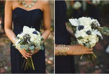 wedding colors: navy gold