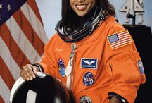 Women and Space Missions / The women of earth's space missions, studies and travel