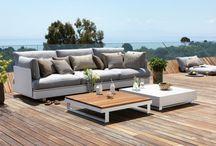 Muebles para exteriores / Mobiliario para el patio, terraza, jardín. Aquí hay una selección de muebles para utilizar en exteriores, que destacan por tener un diseño moderno, sin renunciar al confort.