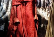 Melisandre - Cosplay 2016 / Ideas for CosDay 2016 (reference: take the basic dress, add mesh to the sleeves and waist to create a fier-y look) Maybe add the cloak