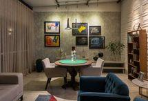 Sala de Jogos / Para os amantes da jogatina, separamos várias fotos de salas de jogos, e diversas dicas e ideias de sala de jogos para te inspirar a fazer em casa! Veja muitas ideias de decoração de sala de jogos, aproveite! #salasdejogos #ideiasdedecoracaodesaladejogos #modelosdesalasdejogos