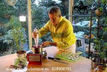 CONSERVAS NATURALES / los tomates también los puedes secar al sol, al horno o en una deshidratadora...luego ya se hidratan en aceite condimentado a tu gusto.