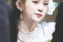유정안 / MOMOLAND / Daisy