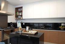 Cozinha Compacta / Inspire-se com um compilado de fotos de armário de cozinha compacta, veja cozinha compacta com balcão e ideias de decoração. Fotos e dicas de cozinha compacta. Aproveite! #cozinhacompacta #cozinhacompactacombalcao #decoracaodecozinhacompacta #armariodecozinhacompacto