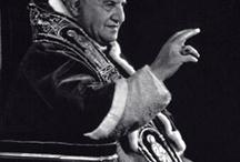Papas, santos y otros