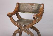 Курульные кресла