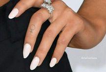 Ariana Grande tattos