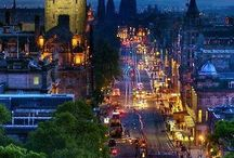 Travel Edinburgh, Scotland / The capital of Scotland, the city of Edinburgh is compact enough to explore on foot, and interesting enough to stay for week!