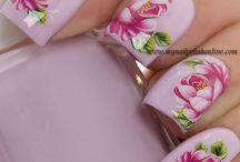 peonies nail art
