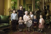 A NEWS  QUEEN ELIZABETH CELEBRATES HER 90TH BIRTHDAY WITH A FAMILY PICTURE