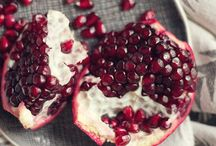 D E S E E D I N G  A  P O M E G R A N A T E / How do you deseed a pomegranate?! It's easy peasy! Or if its not something for you, head over to our website to order our aril punnets