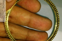 natural diamond bangles in 14k/18k gold / Material: White Gold 18k/14k/10k or 925 silver Diamond Color: Black/Blue/Yellow/Green/Pink (all natural irradiated diamonds - you can test with tester or lab) White Diamond size: 0.50 carat/ 1 carat/ 1.5 carat/ 2 carat/3 carat   (clarityVVS1 to SI3 , color - F to I)  Price: depending on quality and diamonds size and weight  delivery time: 10 to 15 days  ASK US YOUR REQUIREMENT WITH THE BEST DETAILS, AND WE WILL BRING YOU ONE IN A LIFE TIME QUOTE FOR NATURAL DIAMONDS & JEWELRY.