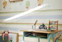 Esprit Kids 4 - A.S. Creation / Fuchs, Dschungel-Tiere und Vögel kleiden die Kinderzimmer als Vlies- oder Papiertapete neu ein. Die beliebte Kollektion Esprit Kids von A.S. Creation geht in die vierte Runde und zeigt neue Tapeten für ein modernes Kinderzimmer.