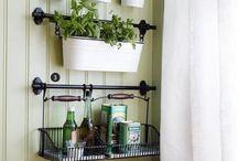 KUCHNIA / Pomysły na urządzenie kuchni - meble, układ szafek, dodatki, dekoracje, praktyczne rozwiązania itp.