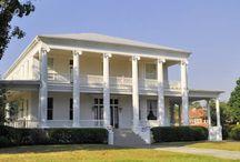 Pensacola, FL Neighborhoods / See homes, architecture and residential neighborhoods  in Pensacola Florida. #Pensacola
