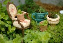 Fairy Gardens / The most delightful collection of miniature Fairy Gardens... Fairy Gardens in containers, Fairy Gardens in trees, Kid-friendly Fairy Gardens. For more Fairy Garden inspiration, please visit The Magic Onions : http://www.themagiconions.com/fairy-gardens