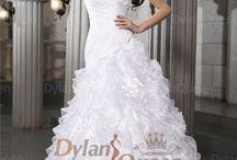 Wedding dresses / Wow