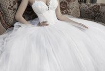 Wedding Dress / by Cila Rato De Andrade De Koning