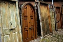 Front Doors / by Judy Riemersma