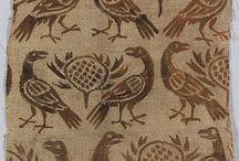 Textiles 1000-1200 / Fragments of pattern woven textiles - Fragmenten van in patroon geweven stoffen