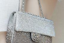 Beautiful Bags / by Elizabeth Coe