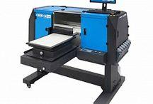 Цифровая печать по футболкам струйным принтером DTG / О цифровых принтерах для печати по готовой одежде и текстильному крою, а так же самая последняя информация и технологии о процессах малотиражной индивидуальной персонализированной цифровой струйной печати по футболкам, одежде из трикотажа.