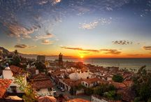 Puerto Vallarta - México / Discover the magic of Puerto Vallarta and its pristine beaches and colourful historic yet modern town that sits on the Pacific Ocean that is surrounded by lush tropical jungles, sparkling waterfalls and picture perfect beaches which makes it the perfect vacation spot.
