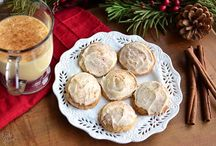 It's beginning to look a lot like Christmas... / Cookies, desserts, and decorating ideas to celebrate the fattest season of the year. / by Tracy Byrne