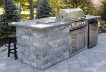 Outdoor Kitchen / Build your dream outdoor kitchen or living space with Morris Brick and Stone