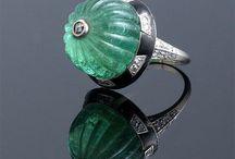 jewelry/historical