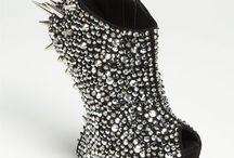 Love Em zeee Shoes! / by Donya Ann